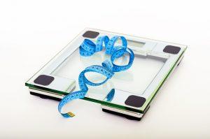 Gewicht verlieren - Waage und Cm-Maß