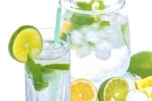 Vegan abnehmen - Mineralwasser