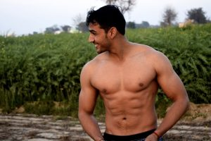 Gewicht verlieren - Trainierter Mann